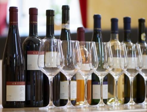 Weingut Kronenhof Weinprobe Weinflaschen